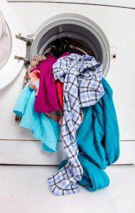 giặt quần áo sai cách
